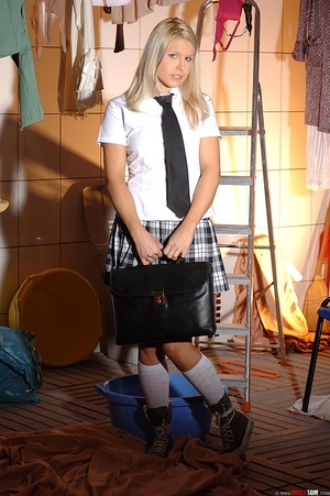 Blonde schoolgirl starts pissing in cott - XXX Dessert - Picture 1