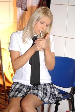 Blonde schoolgirl starts pissing in cott - XXX Dessert - Picture 3