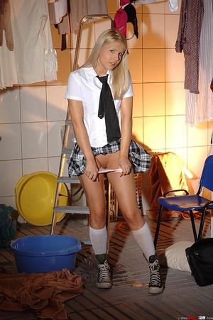 Blonde schoolgirl starts pissing in cott - XXX Dessert - Picture 9
