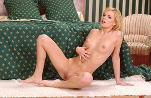 On a hot blonde pee - XXX Dessert - Picture 18