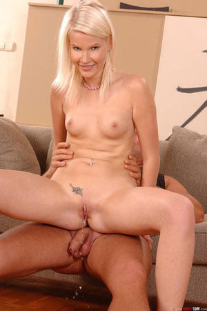Sexy Pink Pussy sucks then pisses on her - XXX Dessert - Picture 7