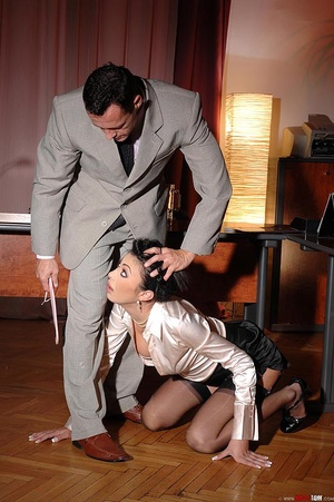 Hot beauty Samy Omidee gets spanked expl - XXX Dessert - Picture 10