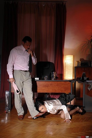 Hot beauty Samy Omidee gets spanked expl - XXX Dessert - Picture 11