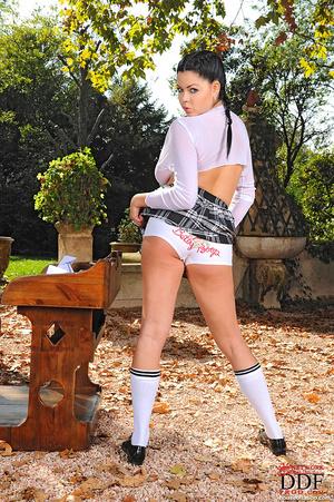 Schoolgirl Shione Cooper gets bound nake - XXX Dessert - Picture 5
