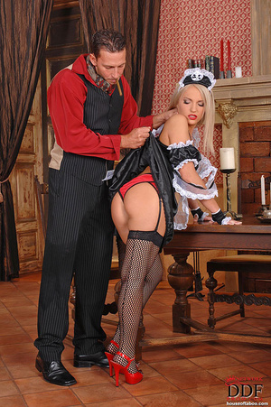 Blonde young babe Britney Spring gets sp - XXX Dessert - Picture 8