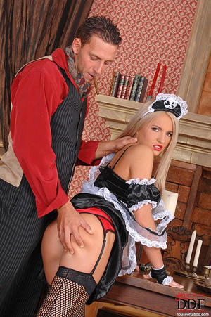 Blonde young babe Britney Spring gets sp - XXX Dessert - Picture 9