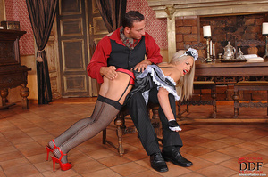 Blonde young babe Britney Spring gets sp - XXX Dessert - Picture 11