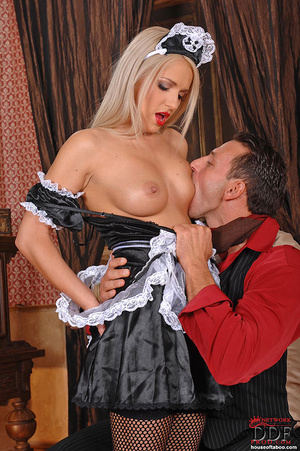 Blonde young babe Britney Spring gets sp - XXX Dessert - Picture 12