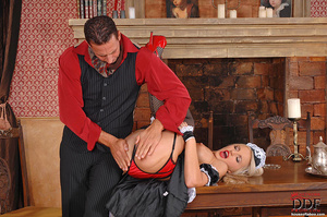 Blonde young babe Britney Spring gets sp - XXX Dessert - Picture 14