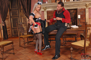 Blonde young babe Britney Spring gets sp - XXX Dessert - Picture 15