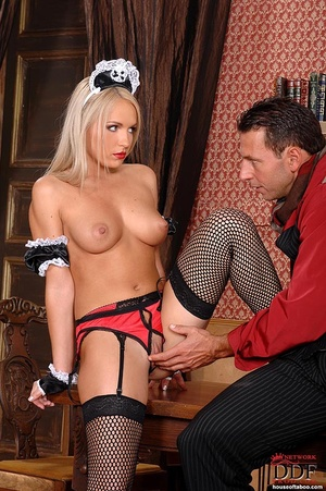 Blonde slut Britney Spring gets her ass  - XXX Dessert - Picture 5