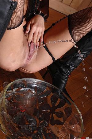 Wild dark-haired babe Sonja Black pissin - XXX Dessert - Picture 14