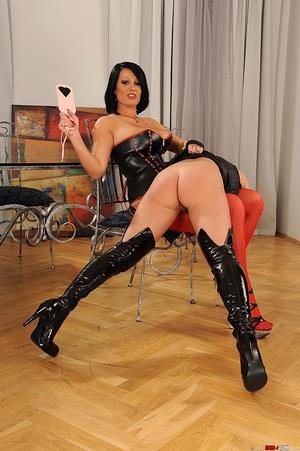 Kinky lesbians' hot bondage spanking act - XXX Dessert - Picture 5