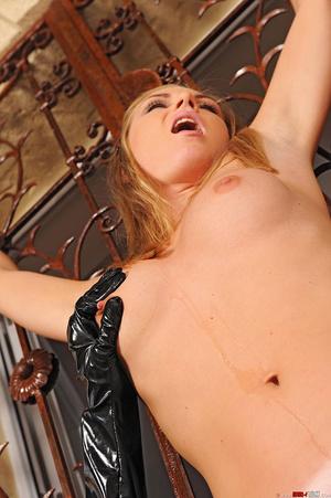 Slim beauties Alise Ulrika play bondage  - XXX Dessert - Picture 13