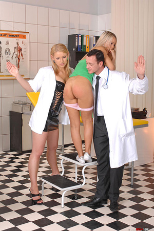 Hot blondes Niki Sabrina in deviant thre - XXX Dessert - Picture 15