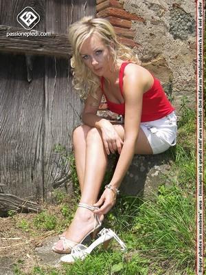 Lovely feet stunning blonde babe teasing - XXX Dessert - Picture 4