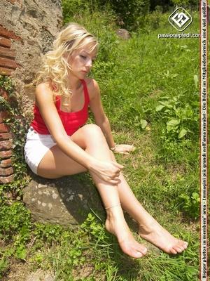Lovely feet stunning blonde babe teasing - XXX Dessert - Picture 5