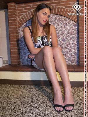 Super hot brunette bimbo in short dress  - XXX Dessert - Picture 1