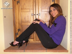Sexy shaped babe revealing her sey feet  - XXX Dessert - Picture 2