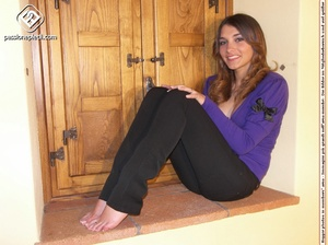 Sexy shaped babe revealing her sey feet  - XXX Dessert - Picture 4