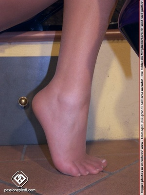 Perfect body brunette in sexy pantyhose  - XXX Dessert - Picture 2