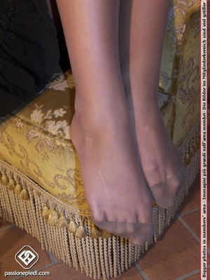 Awesome cutie with perfect feet in tight - XXX Dessert - Picture 4