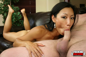 Tia Ling lets her head get pushed on the - XXX Dessert - Picture 5