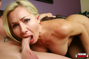 Lisa DeMarco lies back and opens wide as - XXX Dessert - Picture 7