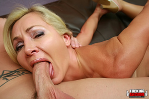Lisa DeMarco lies back and opens wide as - XXX Dessert - Picture 8