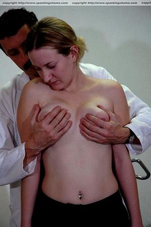 Busty amateur milf gets her soft bottom  - XXX Dessert - Picture 3