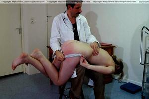 Busty amateur milf gets her soft bottom  - XXX Dessert - Picture 9