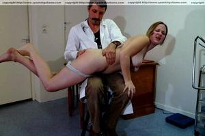 Busty amateur milf gets her soft bottom  - XXX Dessert - Picture 11