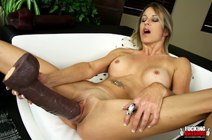 Rebecca Time gets on her knees while pum - XXX Dessert - Picture 7