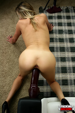 Rebecca Time gets on her knees while pum - XXX Dessert - Picture 16