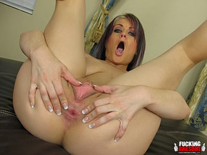 Tyla Wynn gets kinky with her giant dild - XXX Dessert - Picture 4