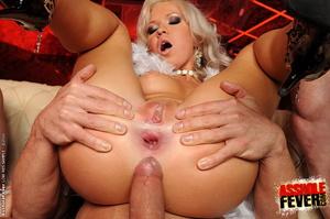 Sexy blonde clubgirl anal screwed and ge - XXX Dessert - Picture 6