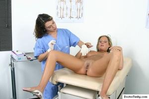 Two nurses examine a hot brunette girl - XXX Dessert - Picture 4