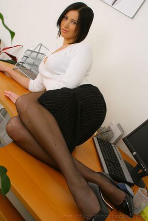 Hot secretary porn pic