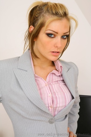 The boss wants a good office fuck with h - XXX Dessert - Picture 2