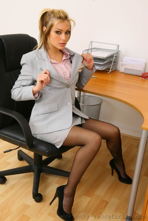 The boss wants a good office fuck with h - XXX Dessert - Picture 6
