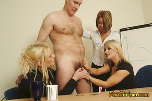 Three naughty blondes test the strength  - XXX Dessert - Picture 5