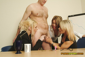 Three naughty blondes test the strength  - XXX Dessert - Picture 6