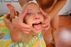 Teen babe happy to take a deep throat an - XXX Dessert - Picture 5