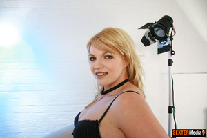 Plump blonde girl gets tied up and sucki - Picture 1