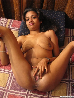 She rubs her clit and her tits - XXX Dessert - Picture 9