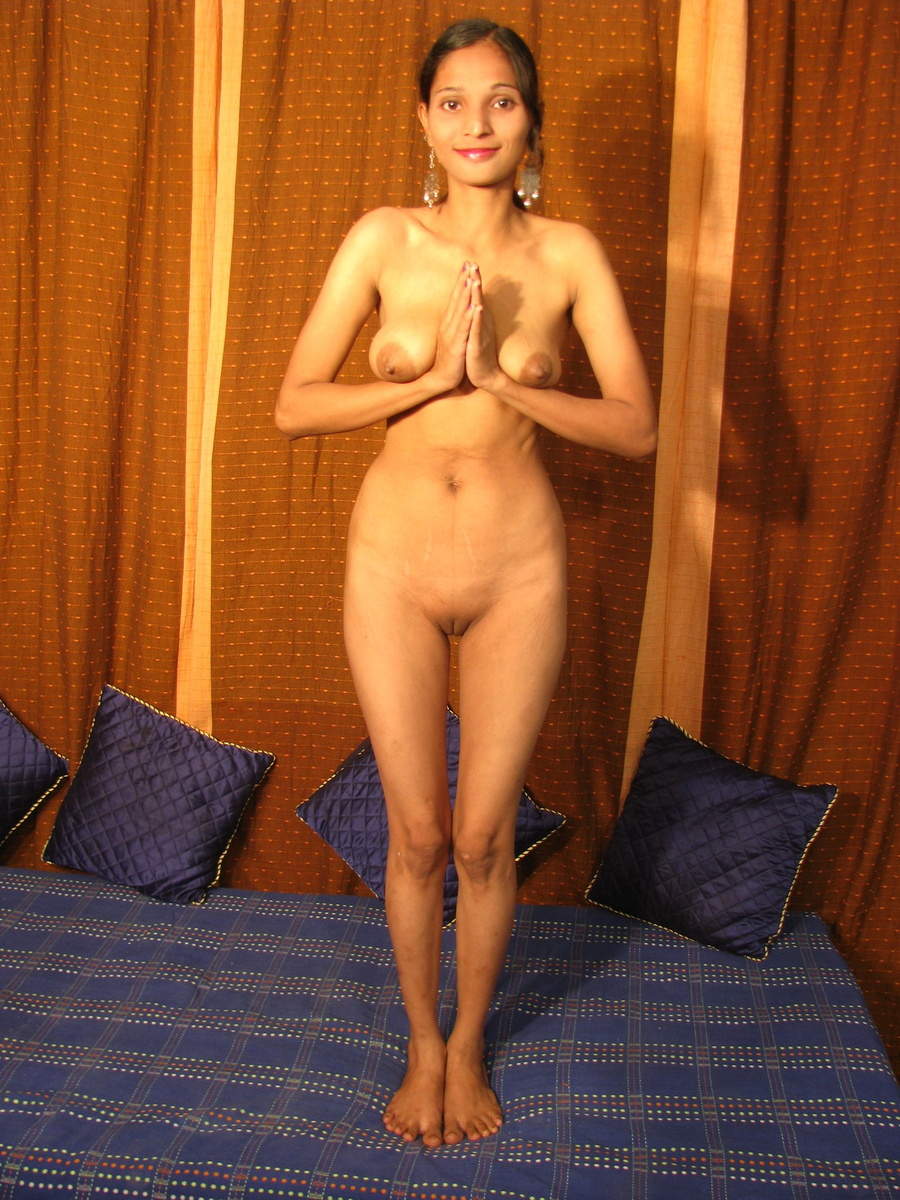 Young Indian Girl Undressing And Spreading - Xxx Dessert -2723