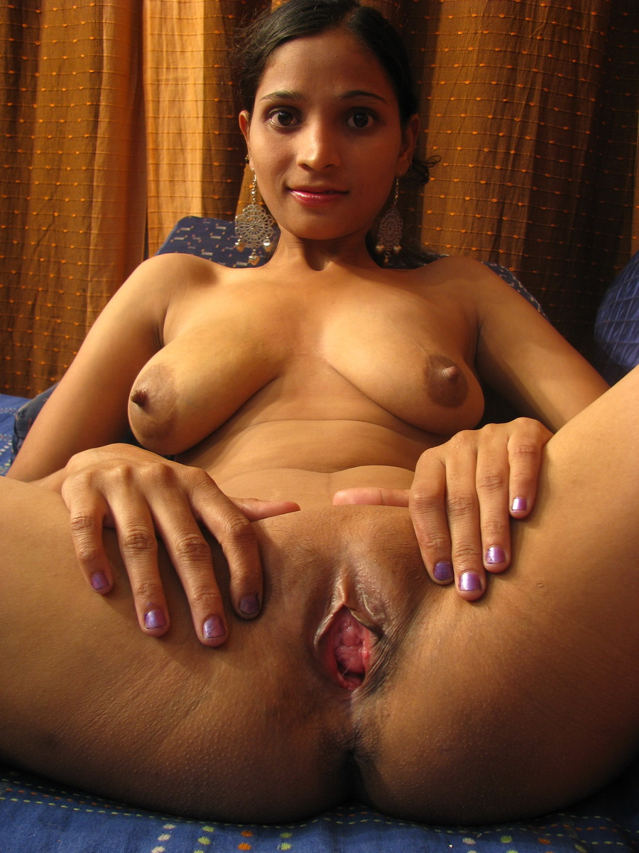 Young Indian Girl Undressing And Spreading - Xxx Dessert -5146