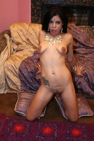 Lovely Indian babe Ashawri swallowing a  - XXX Dessert - Picture 14