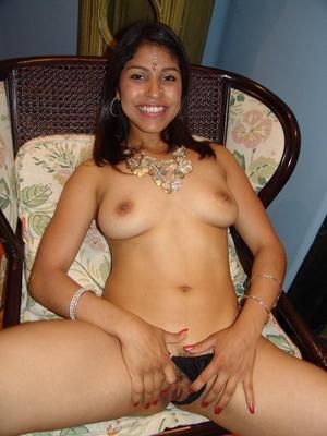 Cute Indian pornstar Mehla strips off to - XXX Dessert - Picture 8