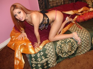 Gorgeous Indian model Ranie does a strip - XXX Dessert - Picture 3